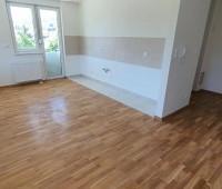 Nov useljiv stan 50 m2 sa garažnim mjestom - Paprikovac, naselje Sunce